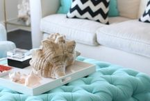 Coffee Table Decor / Inspiration and ideas to decorate your coffee table.