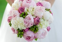 Fantastic Flowers / Florals to inspire you while you plan your special day!