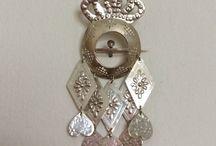 Dräktsmycke/smycken