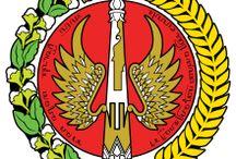 Sejarah Yogyakarta / Jogjakarta membentang dari lereng Gunung Merapi di utara hingga ke pantai Samudera Hindia di selatan. Di sinilah berada Kerajaan Besar di Jawa yaitu Mataram, Ngayogyakarta Hadiningrat.   Jogjakarta (Jogja) bermula tahun 1755, ketika Mataram dibagi menjadi dua yaitu ke Kesultanan Yogyakarta dan Surakarta (Solo). Pangeran Mangkubumi membangun Keraton Yogyakarta dan menciptakan salah satu negara Jawa yang paling kuat yang pernah ada.
