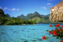 BAHAMAS / As Bahamas são um paraíso de praias com areia branca e fininha, um mar com uma paleta de azuis impossíveis e drinques coloridos que os atraem até aqui. A principal vantagem é sua proximidade com os Estados Unidos. As Bahamas tem infraestrutura muito bem montada, com hotéis luxuosos, restaurantes administrados por Chefs estrelados e alguns bom passeios satisfazem bem casais em busca de uma viagem romântica, famílias ou solteiros festeiros.