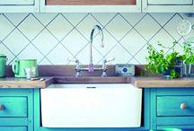 Kitchen colours, splash back, surfaces