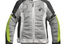 Abbigliamento Moto TOURING / Abbigliamento tecnico e Stivali per il motociclista che viaggia.