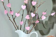 arranjo com corações madeira