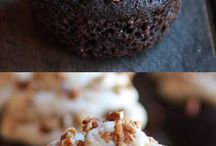 Cupcakes / by Christine Garity