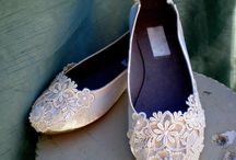 Wedding Frills / Flowers, shoes, extras, and hair&make up for wedding loving! / by Erica Priestley