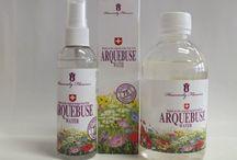 Arquebuse Water egy valóságos csoda… / A Heavenly Flowers márkanevet viselő Eredeti Arquebuse Water különleges hatásainak köszönhetően, olyan gyors és látványos hatást érhetünk el a bőrápolás, a bőr újjáépítése területén, 100%-ig természetes módon, ami abszolút egyedülálló. Arquebuse Water részletes használati utasítása www.natur-krem.hu