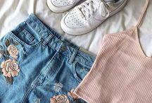 Clothes (っ˘-˘)⊃━☆