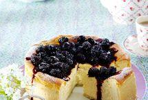 Beeren - die besten Rezepte mit Himbeeren, Blaubeeren, Erdbeeren und Co. / Himbeeren, Blaubeeren, Erdbeeren und mehr sind einfach lecker. Hier sammle ich die schönsten Rezepte mit Beeren, z.B. Kuchen, Eis oder Frühstücksideen.