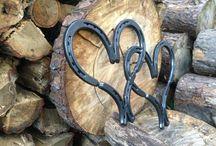 Horse shoe art.