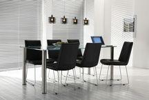 Glazen eettafels / Een greep uit onze collectie glazen eettafels. Stijlvol voor ieder interieur!
