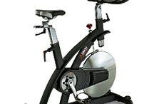 Aparatos de fitness / Aparatos de fitness como cintas de correr, bicicletas elípticas, bicicletas de spinning, plataformas vibratorias o equipos de musculación.