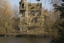 follies / Strange buildings from all over the world.