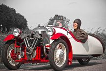 Morgan 3 wheeler  - Red and white