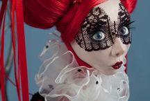 I love... dolls / by Francoise Larouche