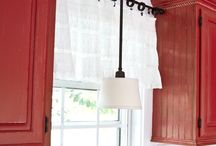 CORTINAS Y TAPETES / by Melody Grey