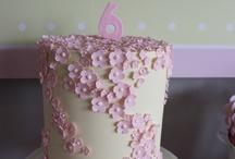 New hobby... Cake decoratin!