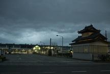 2011 Aizuwakamatu & Inawashiroko / 2011年10月1日、会津若松と猪苗代湖と ほんのちょっとだけ喜多方市に行ってきました。 その時に、福島応援の気持ちを込めて写真を撮りました。 まぁ、この程度の写真ですから、応援になってないかもしれませんが... (^^;) 気持ちだけ受け取っていただけると光栄です。 http://youtu.be/U9OyuSqWTmQ