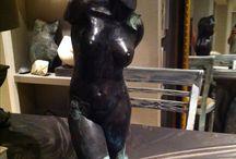 Edith Bustamente Bronzen Beelden