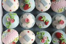 Cath kidston caskes & cupcaskes