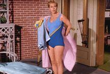 """Samantha Stephens / Personagem fictício criado para série """" A Feiticeira"""", uma burxa que se casa com um mortal e vive diversas aventuras, a sitcon é de 1972 mas a personagem foi revivida em um longa metragem de 2005"""