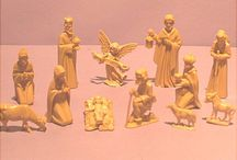 Holiday Miniatures and Small Items / Christmas, Easter and some other Holiday items found on website http://barbspencerdolls.com