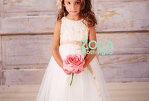 Flower Girls and their Dresses / The prettiest and most unique flower girl dresses. Lots of texture, tulle and lace!