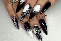 Tay-Nails!
