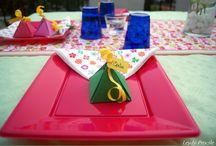 CENA VERANIEGA / Decoración de mesa con tonos vivos que caracterizan el verano alegre y dulce....