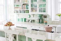 County, romantic, cottage kitchens