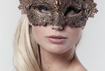 Daj kobiecie maskę, zacznie mówić prawdę