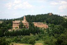 Abbazia di Monte Oliveto Maggiore  / Domenica 28 aprile alle ore 16:00 Loc. Chiusure 53041 Asciano - Siena Invasore: zenvioo #invasionidigitali