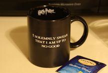 tea/coffee/mugs / by Cecy Garcia