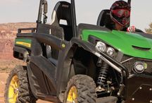 JOHN DEERE's GATOR RSX 850i – / The RSX 850i is Deere's first high-performance Side x Side. It's capable of aggressive trail action thanks to its sporty suspension and high-output motor, but it also stays true to its hard working roots.