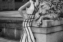 Moja kraina baśni / Ja ubieram w tkaninę w dodatki  Fotograf ubiera w plener w dobre światło  Modelka dodaje uśmiech i sexapil  W nadchodzącym roku suknie kobiece zapowiadają się tak pięknie, że mężczyźni nie będą mieli ochoty, by one je zdejmowały - Coco Chanel www.g-style.pl