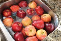 Tirar agrotóxicos das frutas