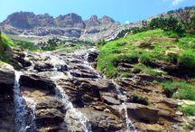 Excursiones desde El Mirador de los Pirineos / El Mirador de los Pirineos es un hotel que está estratégicamente situado en la Comarca de la Jacetania, y desde aquí se pueden hacer cómodas excursiones de día para conocer este rincón del Pirineo.