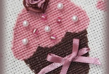 Cross stitch cupcake