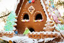 Knusper, Knusper, Knäuschen ... / Unser Weihnachtsgewinnspiel #lebkuchenferienhaus. Das Lebkuchenhaus ist selbstgebastelt mit einem Lebkuchen-Bausatz.  Zum Gewinnspiel: https://www.traum-ferienwohnungen.de/reisemagazin/gewinnspiel-lebkuchen-ferienhaus/