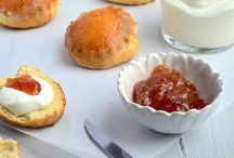 scones +clotted cream