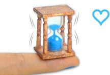 Miniature hour glass