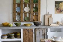 Marvellous Pallet Projects / The versatility of pallets make them great for upcycling projects and they are plentiful. This is a collection of smart ideas we have found that we think are with pinning.