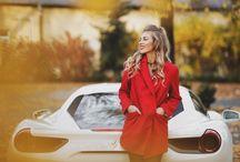 Ferrari 488 GTB / Luksus i szybkość niezwykłego auta z elegancją i dynamiką strojów współczesnych kobiet. więcej na: www.heelsonwheels.pl  #newpost #heelsonwheels #ferrari #488gtb #fashion #magazynlounge