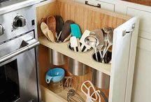 10 Ways to Keep Your Things Organized in a Small House