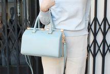【CHARUER(シャルエ)】FB29262 / ゴールド金具が映える上品な印象の2WAYバッグが。 小さめのサイジングながら、マチがしっかりとあるため、容量も◎ 長財布やポーチなども楽々収納して頂けます。