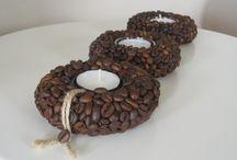 Dekorace z kávy, fazolí...