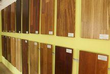 MASIVNÍ DŘEVĚNÉ PODLAHY / Podlahy z masivního dřeva se používají po staletí a jsou nádherným doplňkem jakéhokoli interiéru tím, že mu dávají teplý, útulný dojem, neopakovatelný šarm či elegantní vzhled. Masivní podlahy mají vzhledem ke své struktuře prakticky neomezenou životnost ( lze je několikanásobně renovovat ) . http://podlahove-studio.com/79-masivni-podlahy