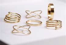 Jewellery & other accessories