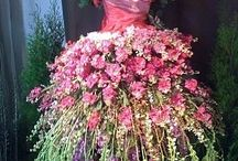 Flores / Distintas expresiones de mostrar el lenguaje floral a la hora de plasmarlo en el papel, tela. La intención conlleva a tener soltura con los materiales y sentir libertad de crear...