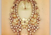 Avance Colección 2015 / Colección de alta bisutería con nácar, perlas, coral, flores de esmalte, cristal austriaco que os enamorará.